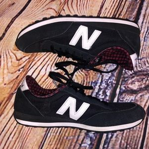 New balance sneakers lace up 6.5